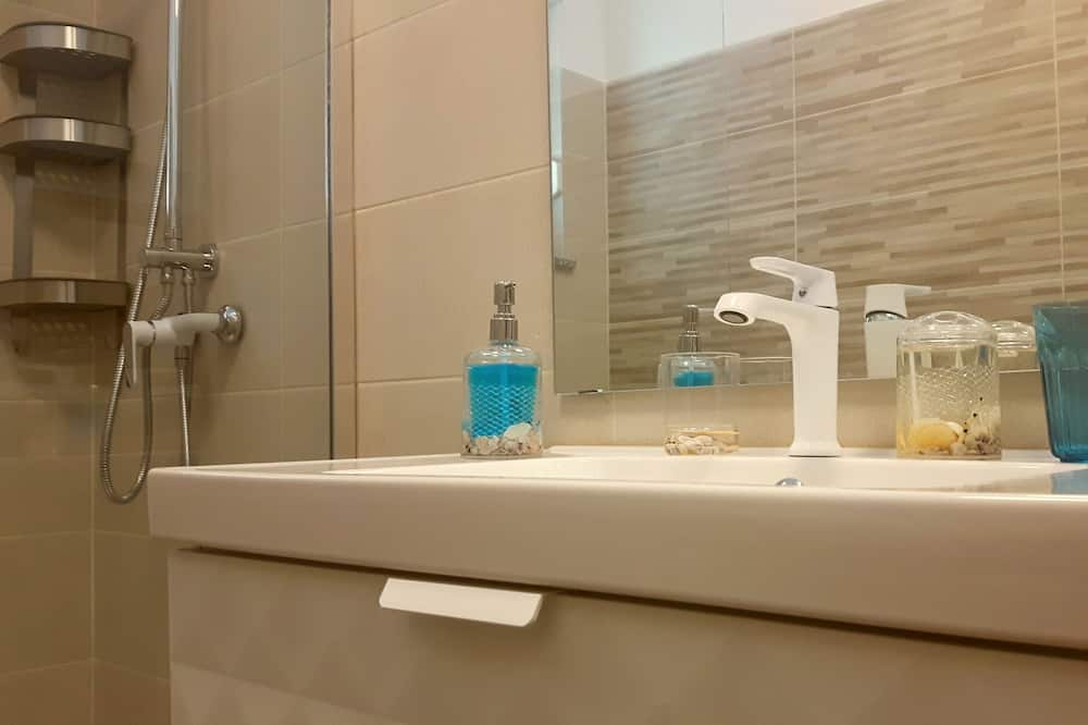Huone, Oma kylpyhuone - Kylpyhuone