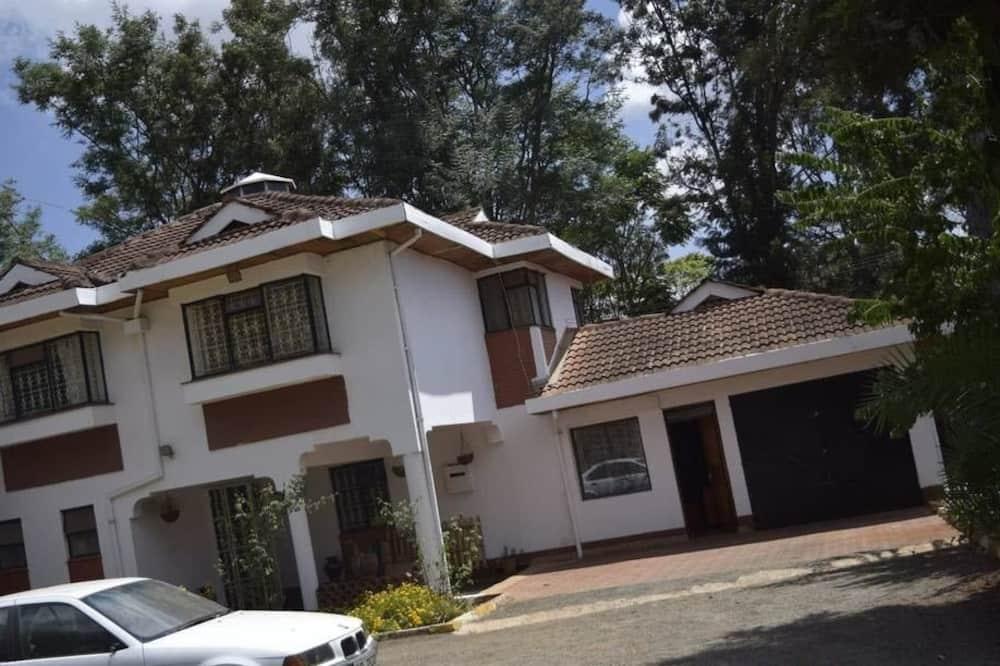Serene Home, Nairobi
