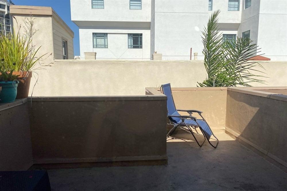 Apartment (LOFT 302) - Balcony