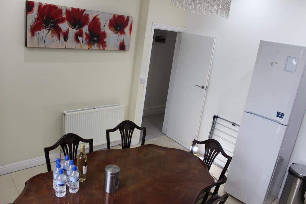 Single Room, 1 Single Bed (Apartment 1) - In-Room Dining