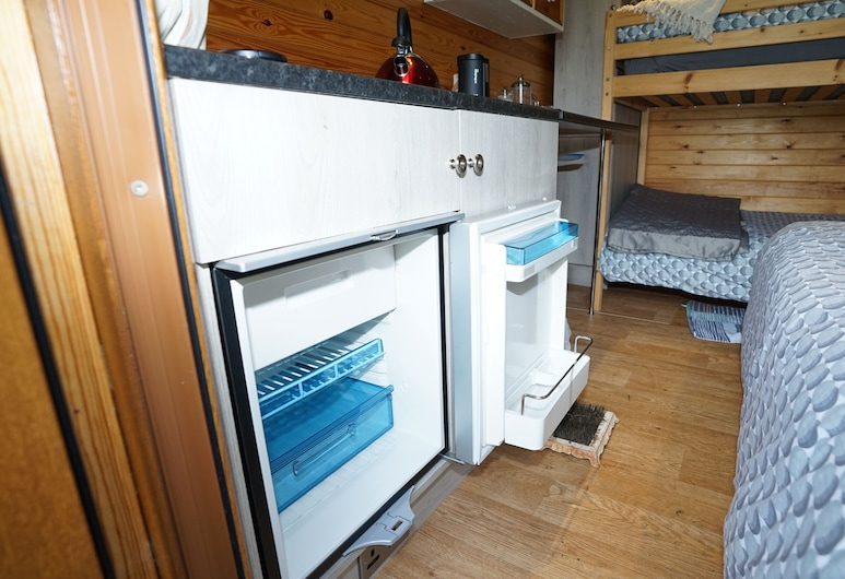 Beehive @ Westcote Glamping- Campsite, Hawick, Cabin, Multiple Beds, Room