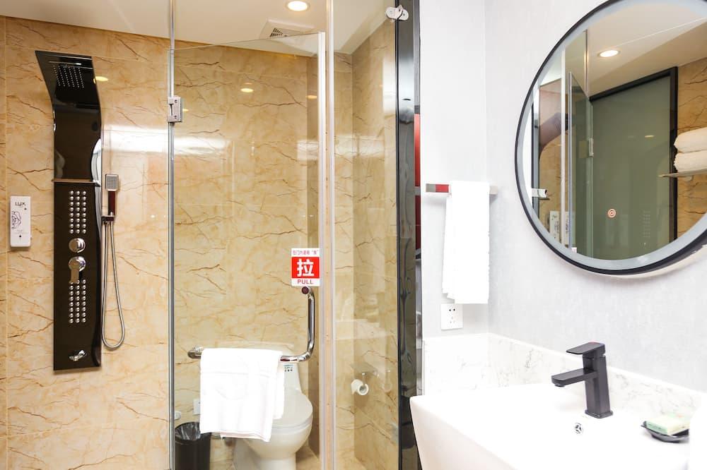 Quarto Duplo Básico - Polibã na Casa de Banho