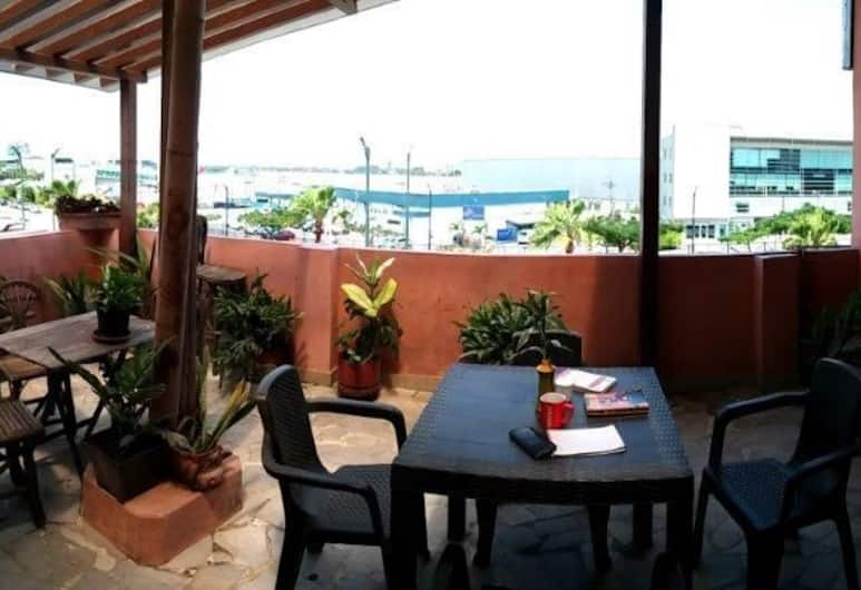 Hotel Europa Av Americas 1 Paseo 14 Ne, Guayaquil, Terrace/Patio