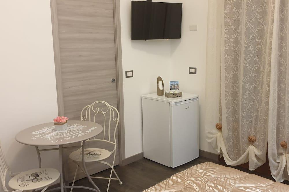 Двухместный номер «Комфорт» с 1 двуспальной кроватью, холодильник, вид на город - Номер
