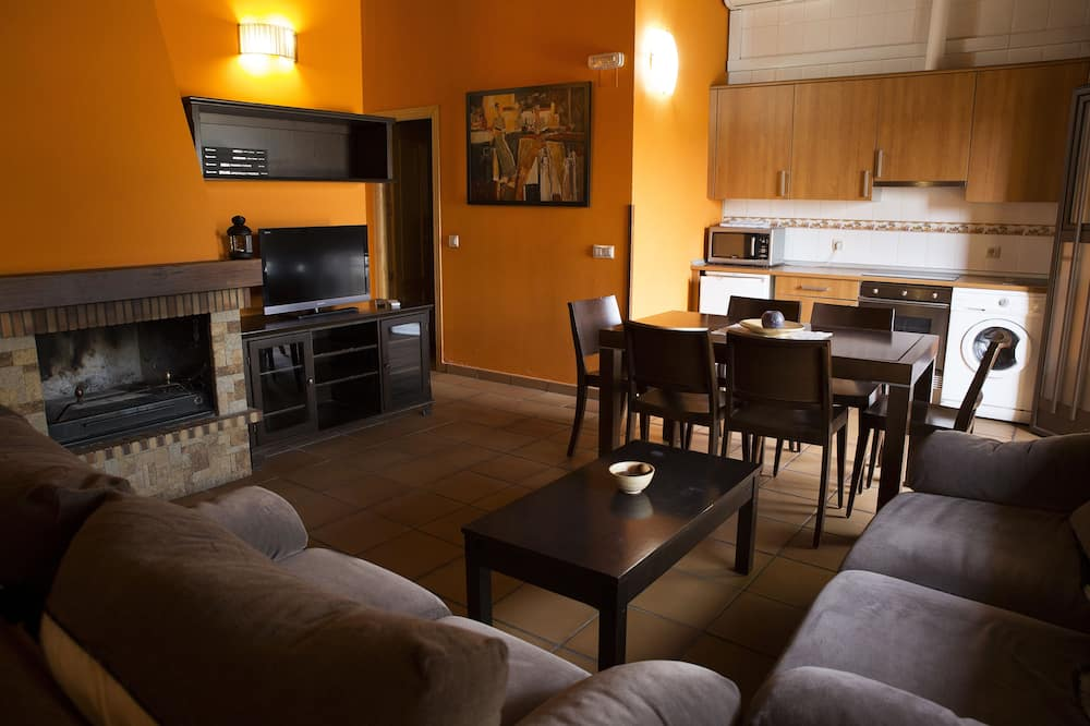 House, 2 Bedrooms - Private kitchen