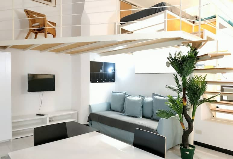Holiday Apartment in Genova Fieno, Genova, Studio, Woonruimte