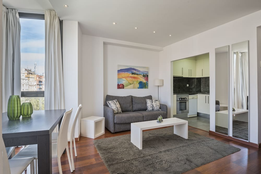 Lägenhet - 3 sovrum - 2 badrum - Vardagsrum