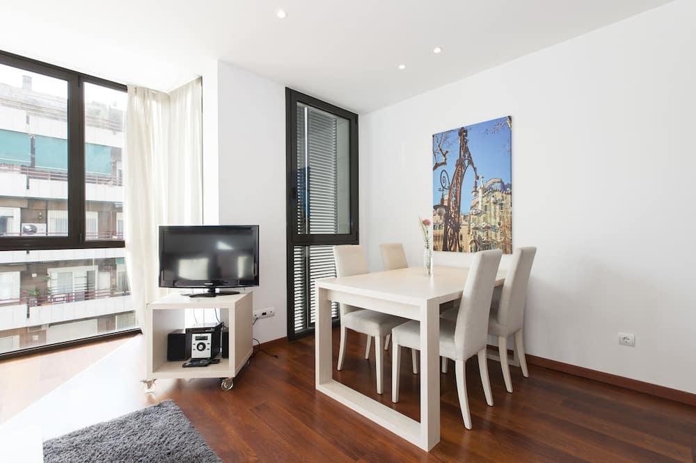 דירה, 2 חדרי שינה, 2 חדרי רחצה - סלון