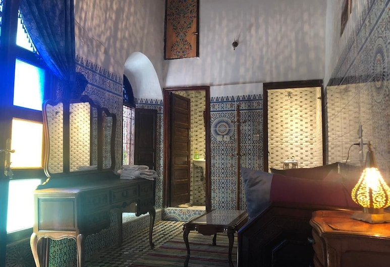 Riad Chao Mama Guesthouse - Hostel, Fes, Deluxe Double Room (Blue Moon), Guest Room