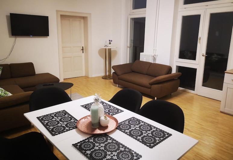 Ferienwohnung im Herzen von Bad Pyrmont, Бад-Пирмонт, Апартаменты, 3 спальни, для некурящих, балкон, Зона гостиной