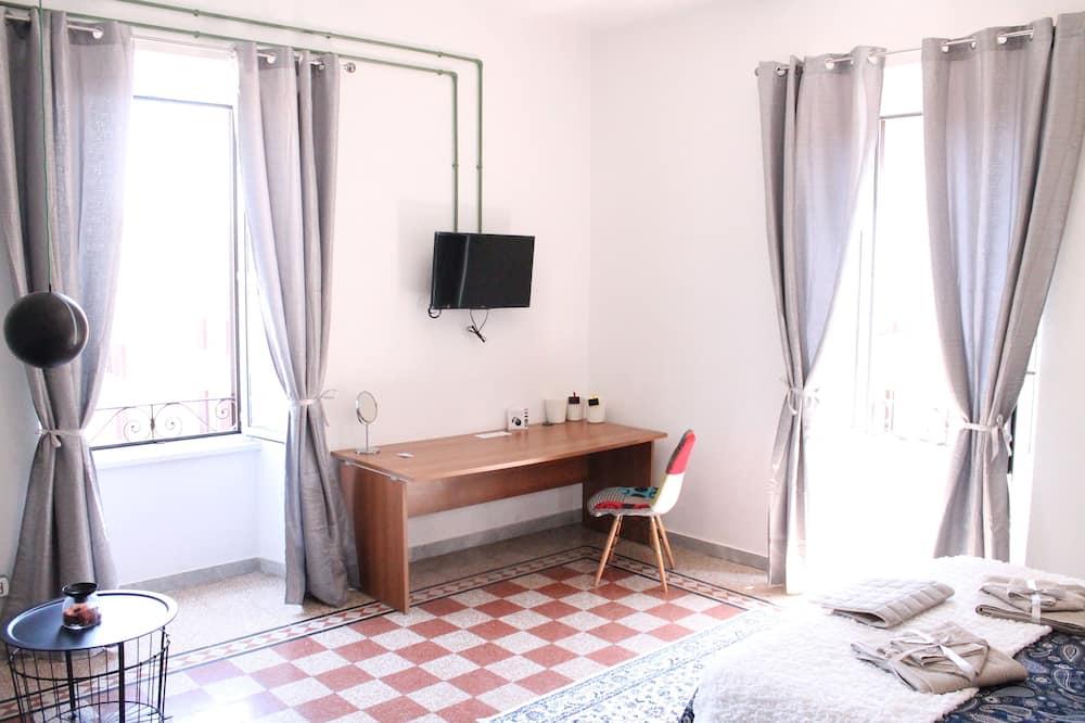 Superior kamer, gemeenschappelijke badkamer (Bright) - Kamer