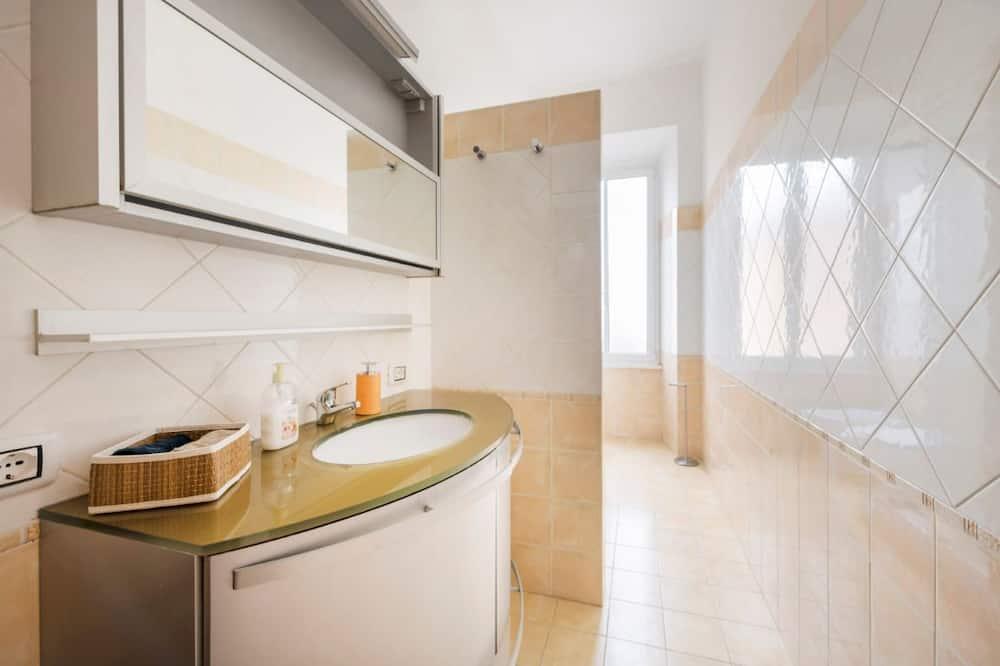 Standaard tweepersoonskamer, gemeenschappelijke badkamer (Green) - Badkamer