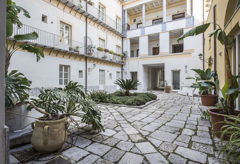 Palazzo Castrofilippo Apartment with 2 terraces by Wonderful Italy, Palermo