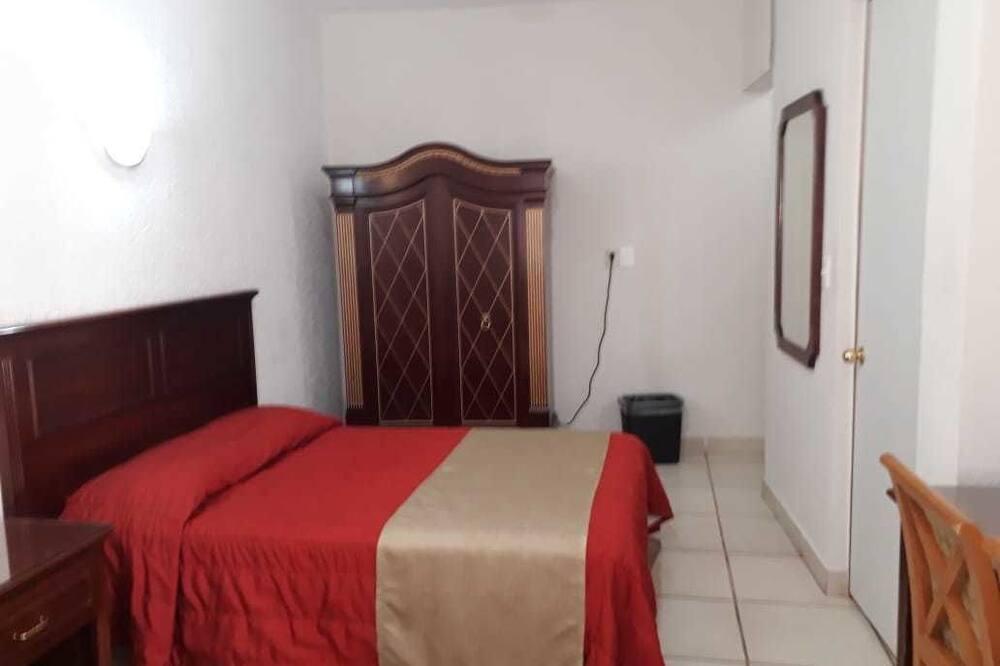Dvivietis kambarys su pagrindiniais patogumais, 2 miegamieji - Svečių kambarys