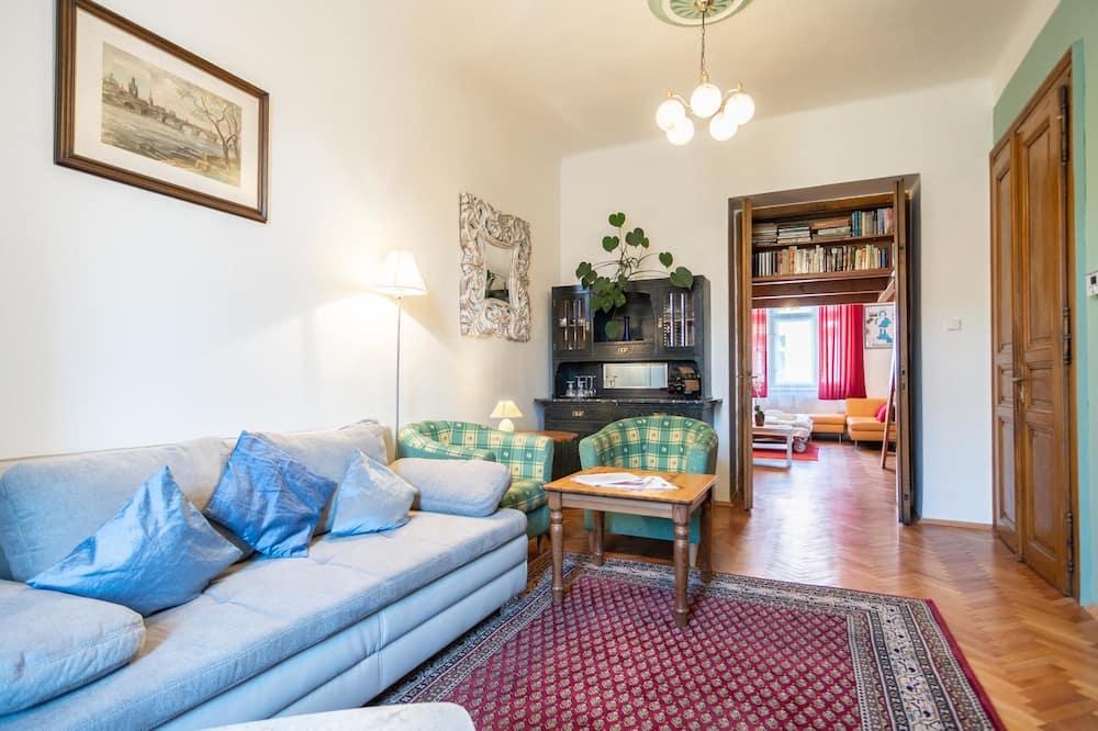 Departamento, Varias camas (Grafická 33) - Sala de estar