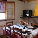 อพาร์ทเมนท์, 2 ห้องนอน, ระเบียง - บริการอาหารในห้องพัก