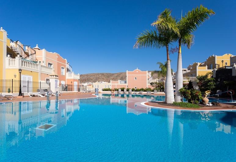 HomeLike Paradise Palm-Mar Pool + Wifi, Arona, Vanjski bazen