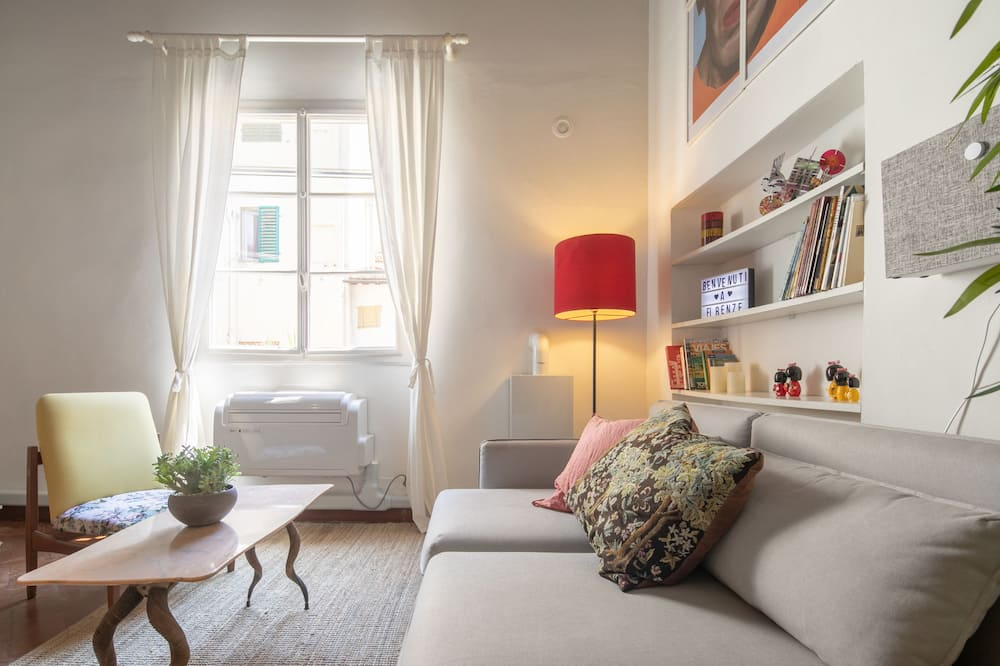 Romantic Loft - Ruang Tamu