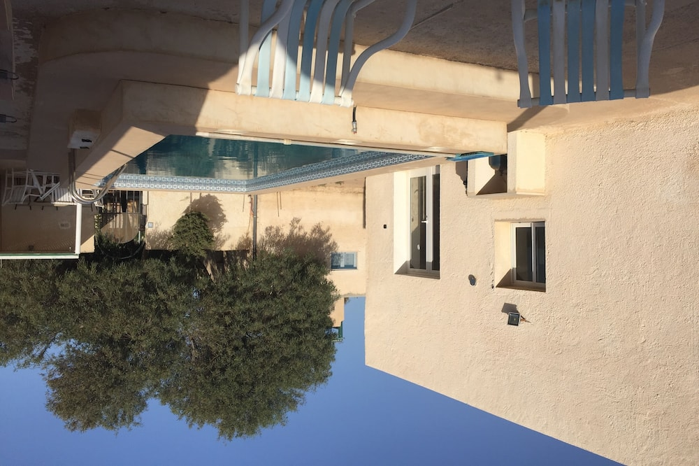 Detached Villa With Private Pool, Covered Parking