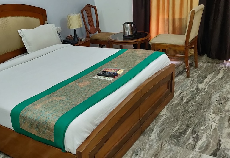 Bird Hawkins Residency, Gurugram, Club Room, Guest Room