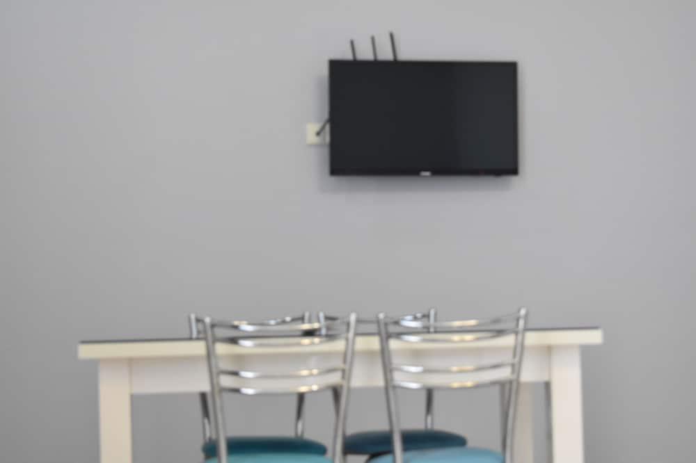 Apartment (102) - Living Room