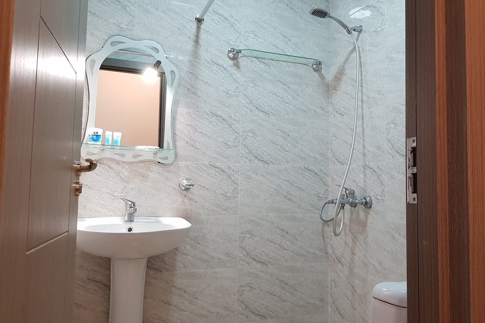 Apartment (103) - Bathroom
