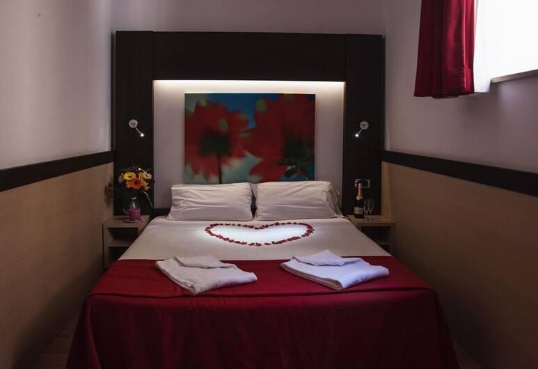 Hotel Louisiana, Rome, Economy Room, Guest Room