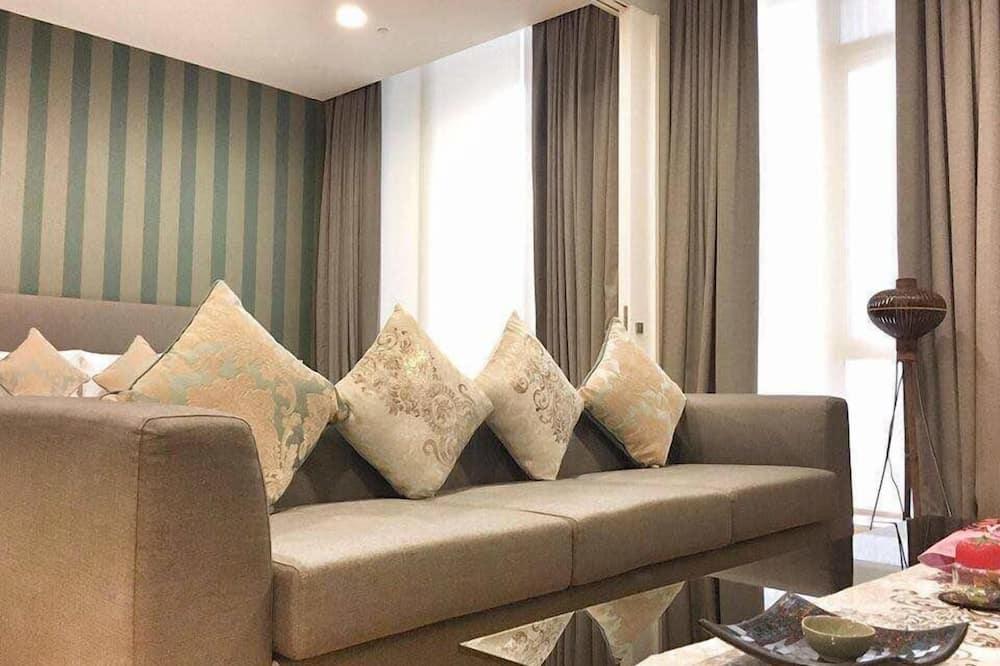 Standard Suite - Living Area