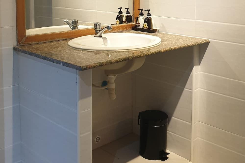 基本雙人房, 1 間臥室, 浴缸 - 浴室