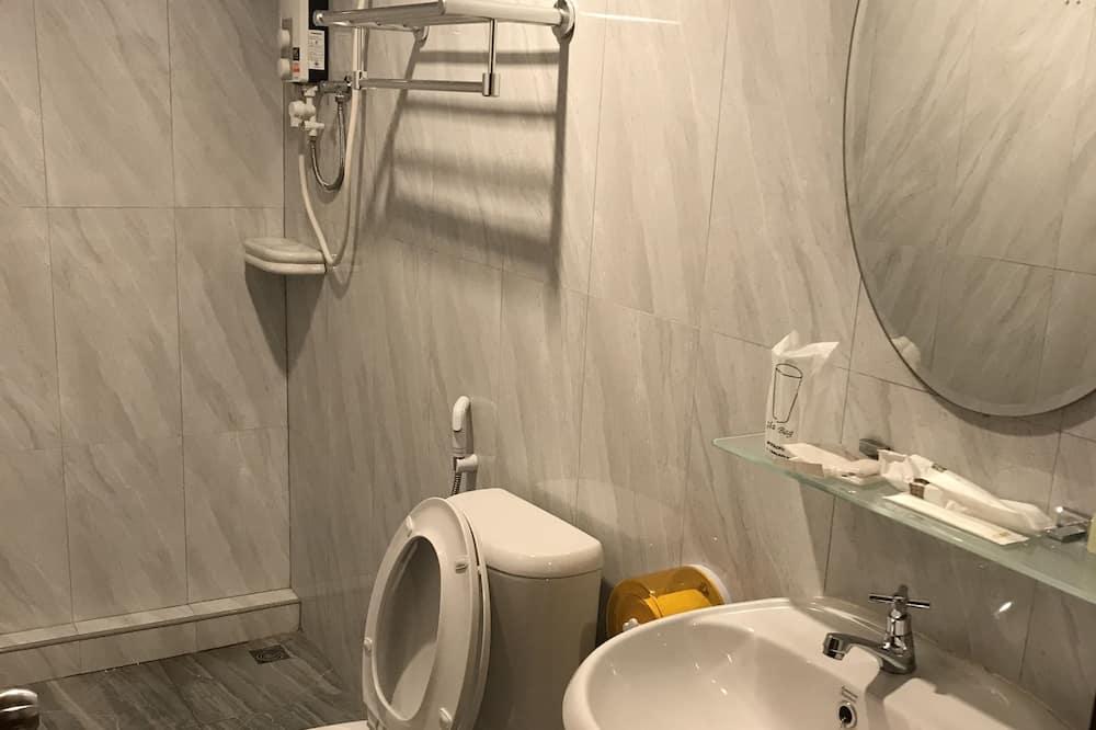 Chambre Triple Standard - Salle de bain