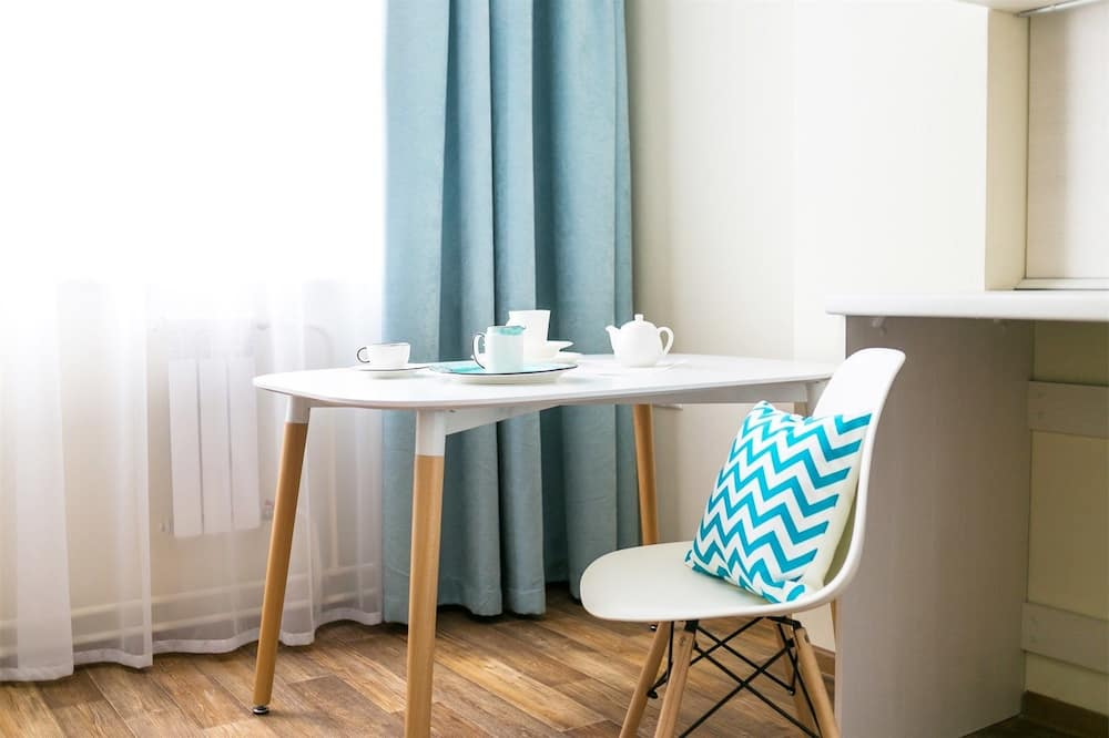 Business Apartment - In-Room Dining