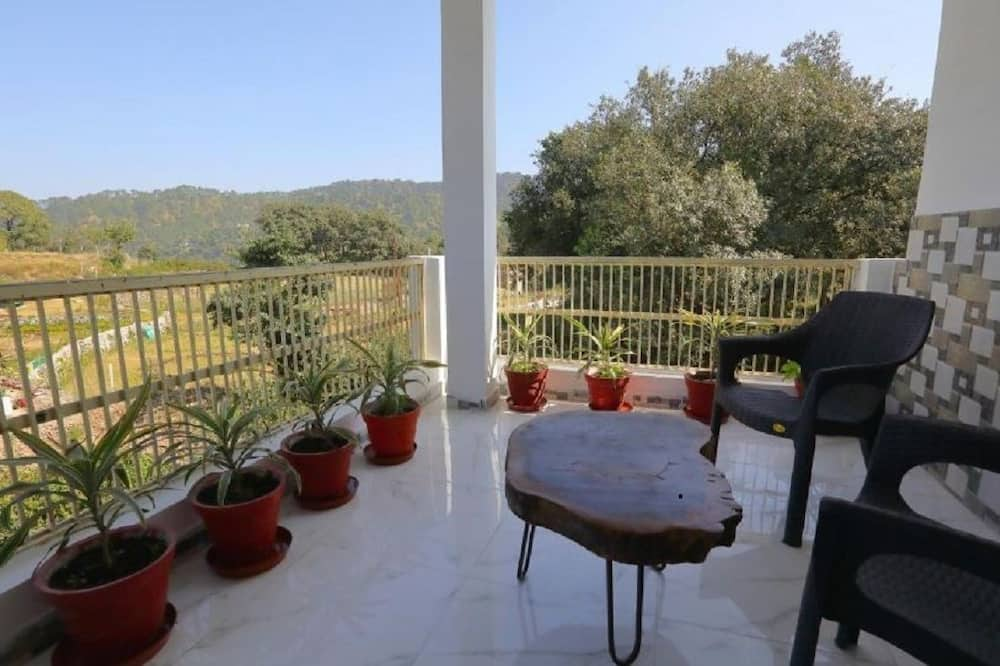 Family Quadruple Room - Balcony View