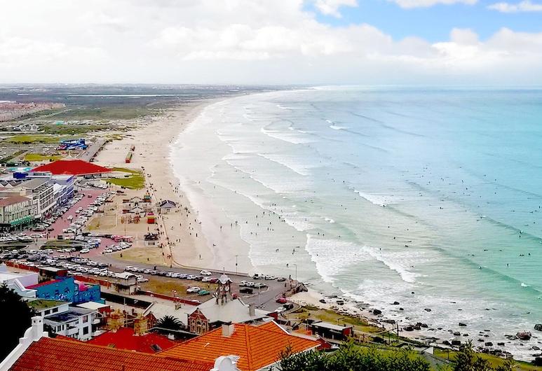 Surfers Studio Muizenberg Beachfront, Cape Town, Beach