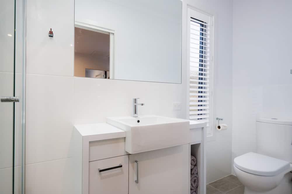 Apartmán, 2 ložnice - Koupelna