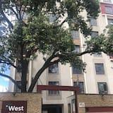 West Suites Apartments