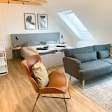 Deluxe Studio Suite, 1 Bedroom, Non Smoking - Living Area