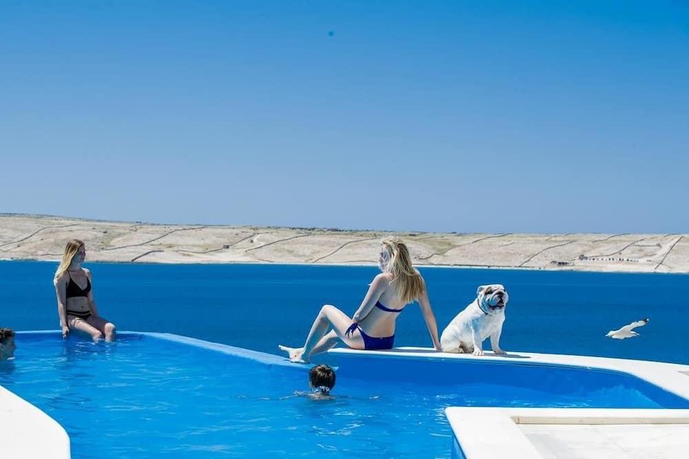 Elite Apartment, 4 Bedrooms, Private Pool, Sea View - Private pool