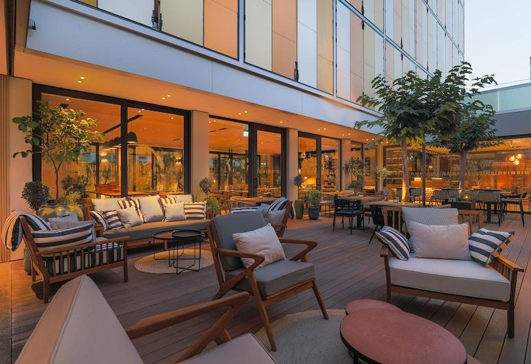 Hotel Indigo Larnaca, Larnaka, Innenhof