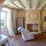 Double Room (Mme Du Boisgueheneuc) - Living Area
