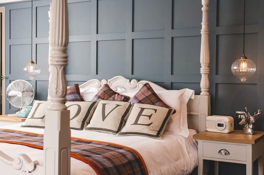 Prabangaus stiliaus kambarys (1 dvigulė / 2 viengulės lovos) - Pagrindinė nuotrauka