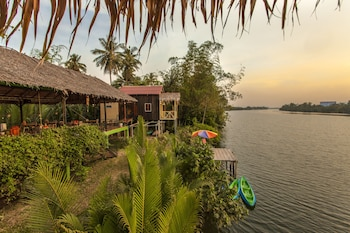 Picture of Green Mango Bungalows in Kampot