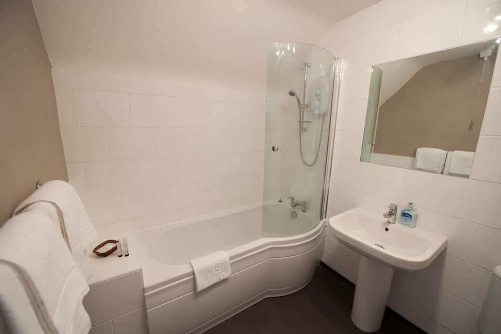 Traditional Double Room, 1 King Bed - Bathroom