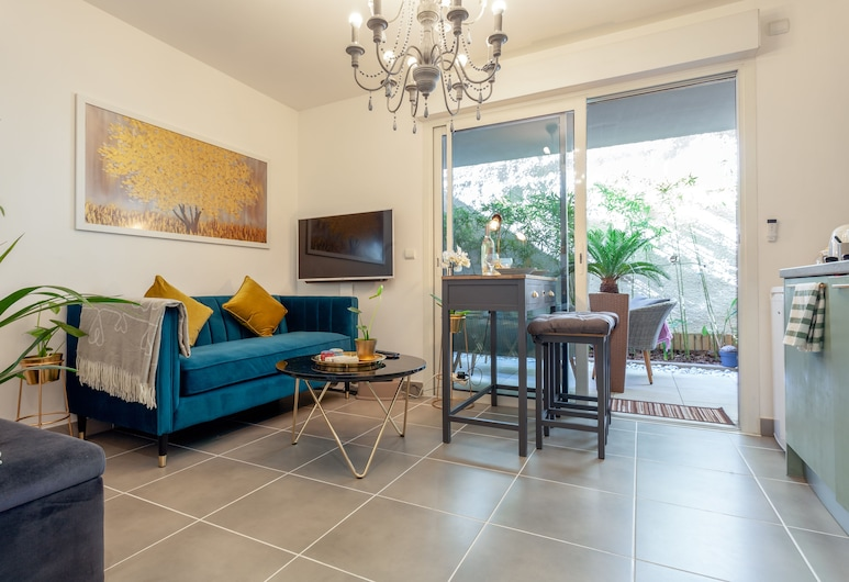 Attractive Design Flat for Palais Conferences, Cannes