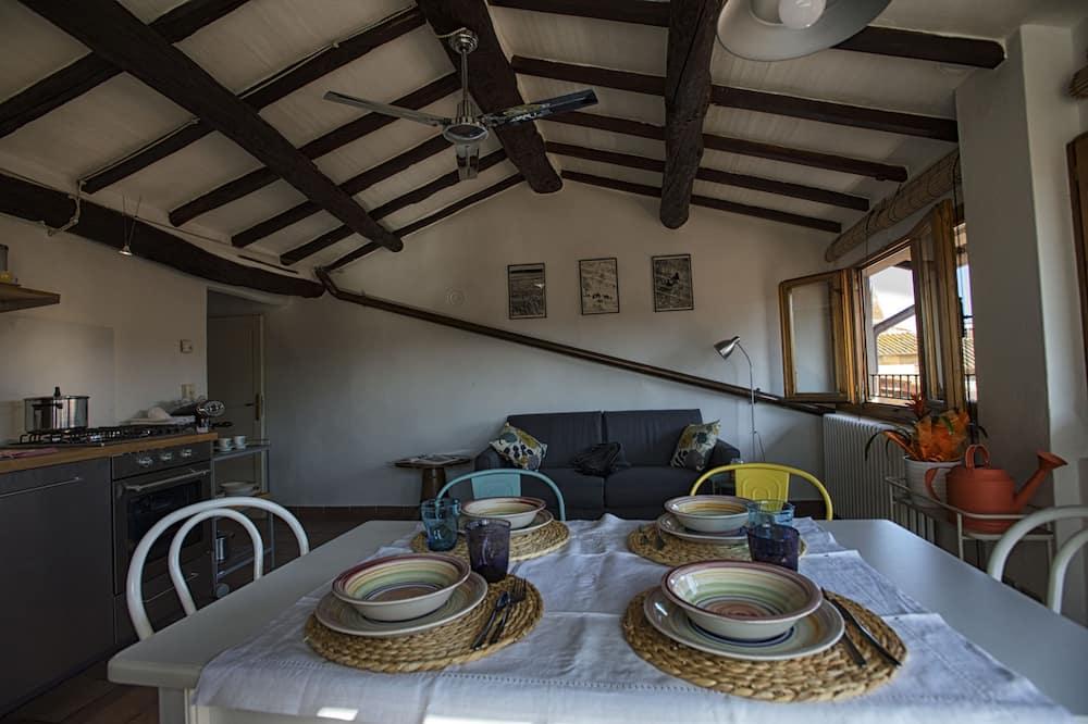 Departamento panorámico - Servicio de comidas en la habitación