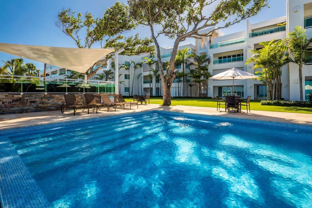 Premier Condo, 3 Bedrooms, Sea View - Outdoor Pool