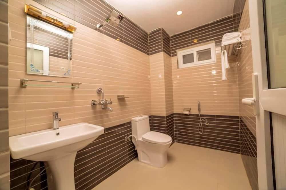 Třílůžkový pokoj typu Deluxe - Sprcha