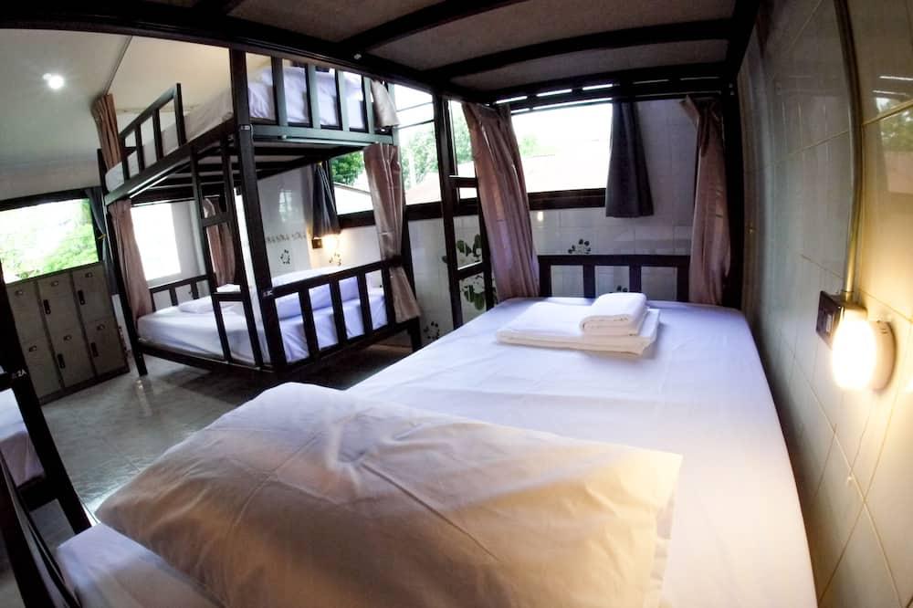 6-Bed Mixed Dormitory - メインのイメージ