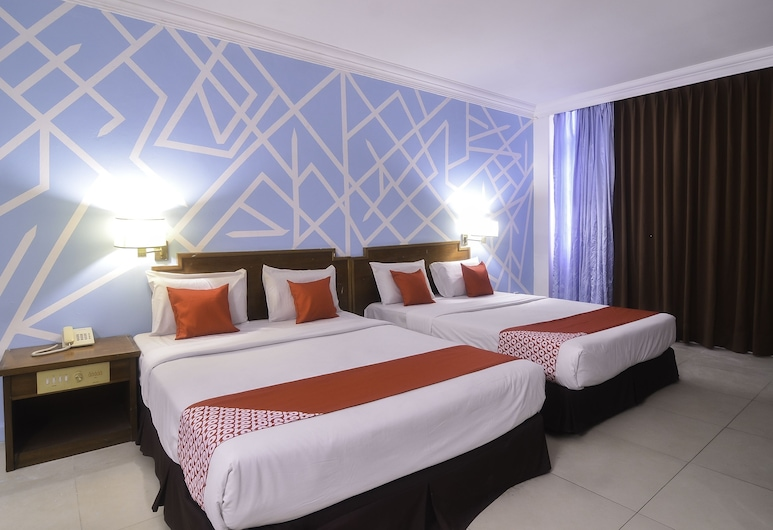 OYO 11342 Liwah Hotel, Kuching, Family Suite, Guest Room