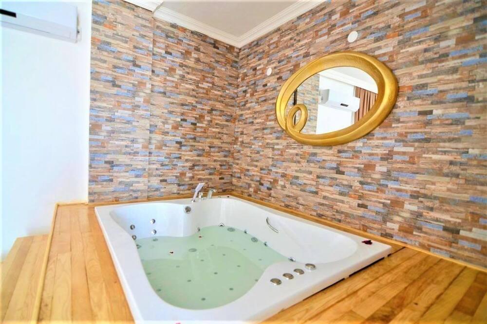 Apartment, 2 Bedrooms - Private spa tub