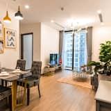 Luxury Apartment, 1 Bedroom, City View, Tower - In-Room Dining